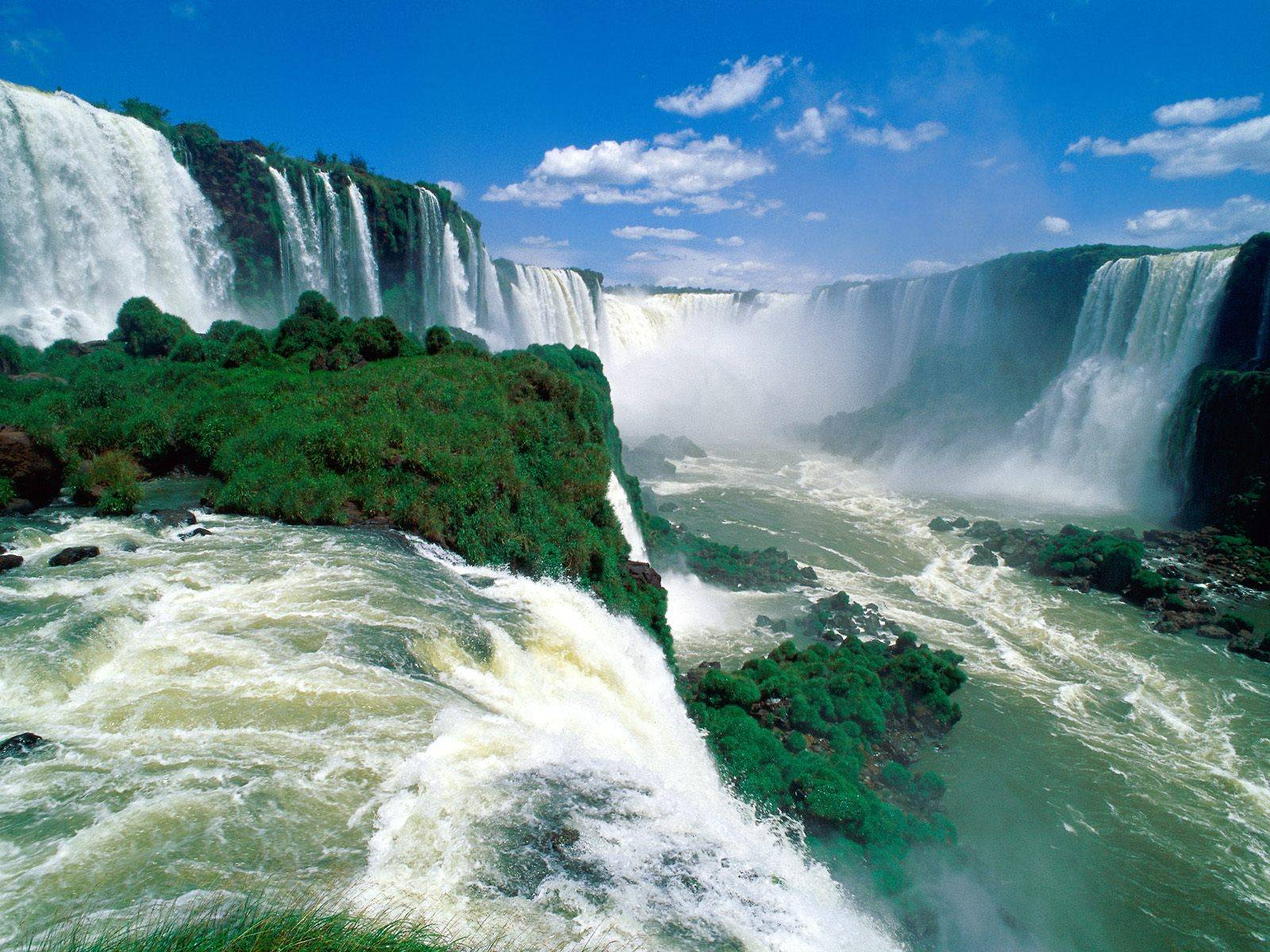 Natural Wonder of Iguazu Falls