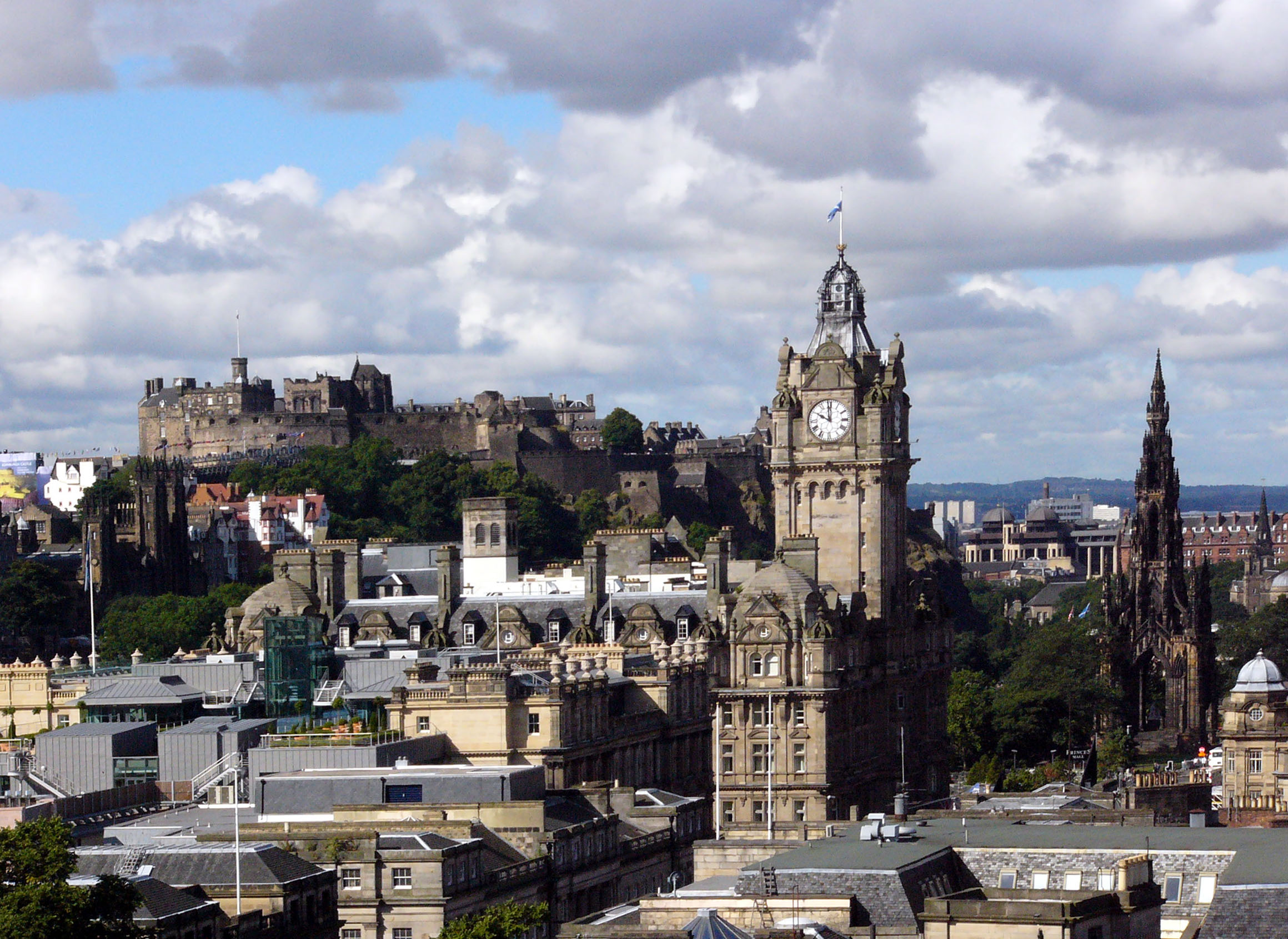 Top Tips For Your Short Break In Edinburgh