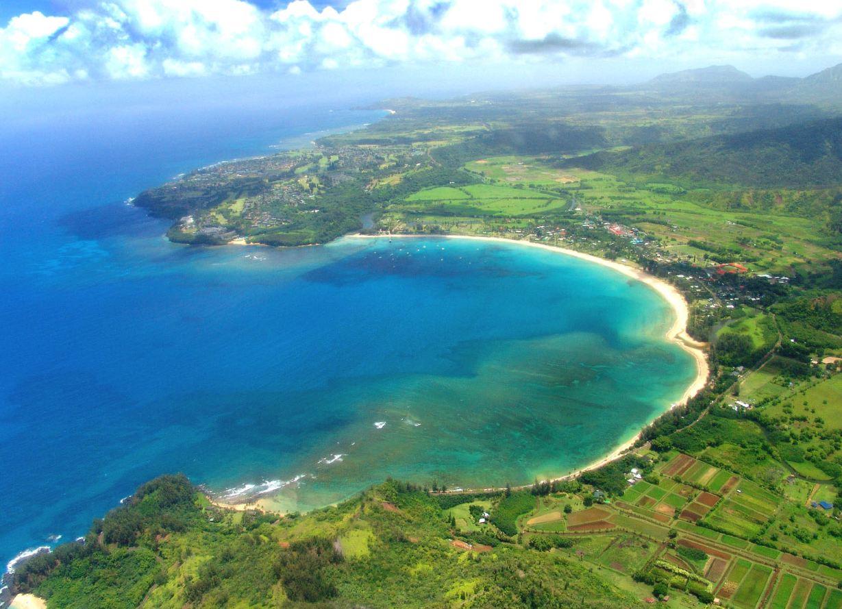 Hanalei Bay Beach, Hawaii, USA