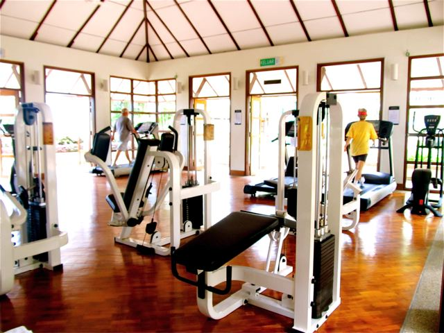 Top 5 Tips for Staying in Shape While You Travel