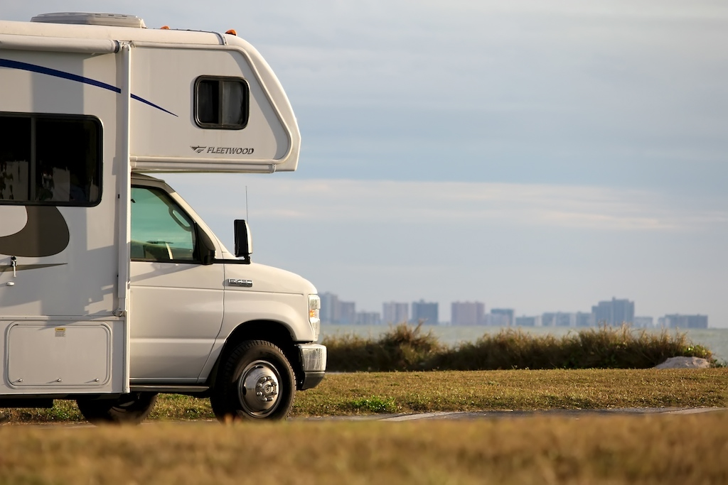 5 Ways to Save Money on Motorhome Travel