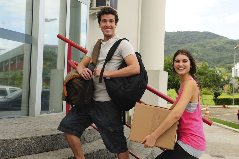 Moving Abroad: How to Unpack In 10 Easy Steps