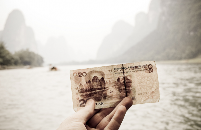5 Ways to Save Money on Cell Phone Charges When You Travel Abroad