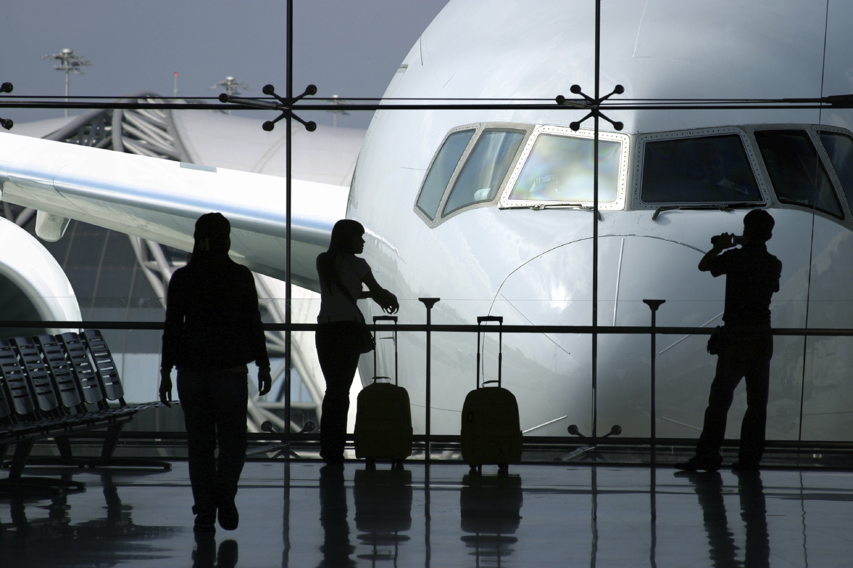 Top 5 International Airport Travel Tips