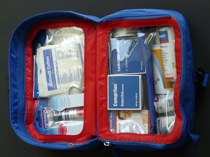 first-aid-kit-596461